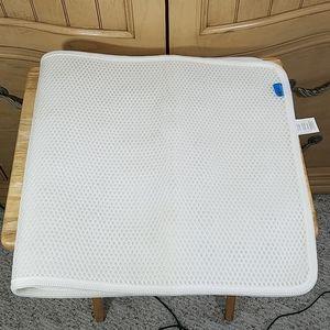 Airia Basics Bath Mat With Suction Cups